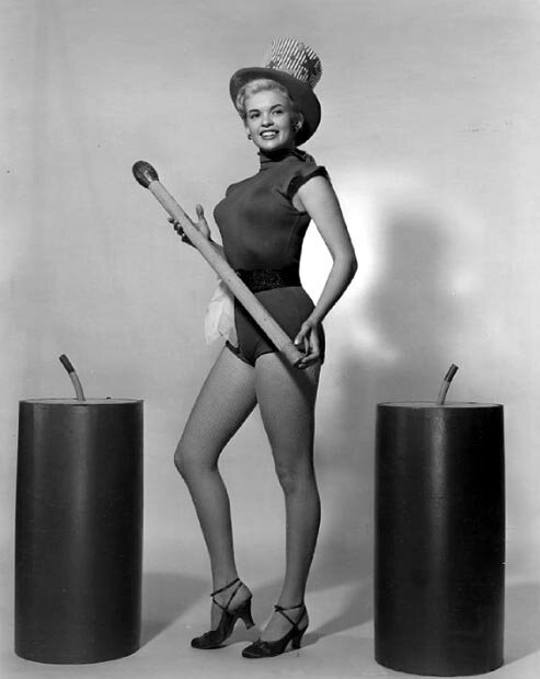 jayne-1955-07-miss_independence-1