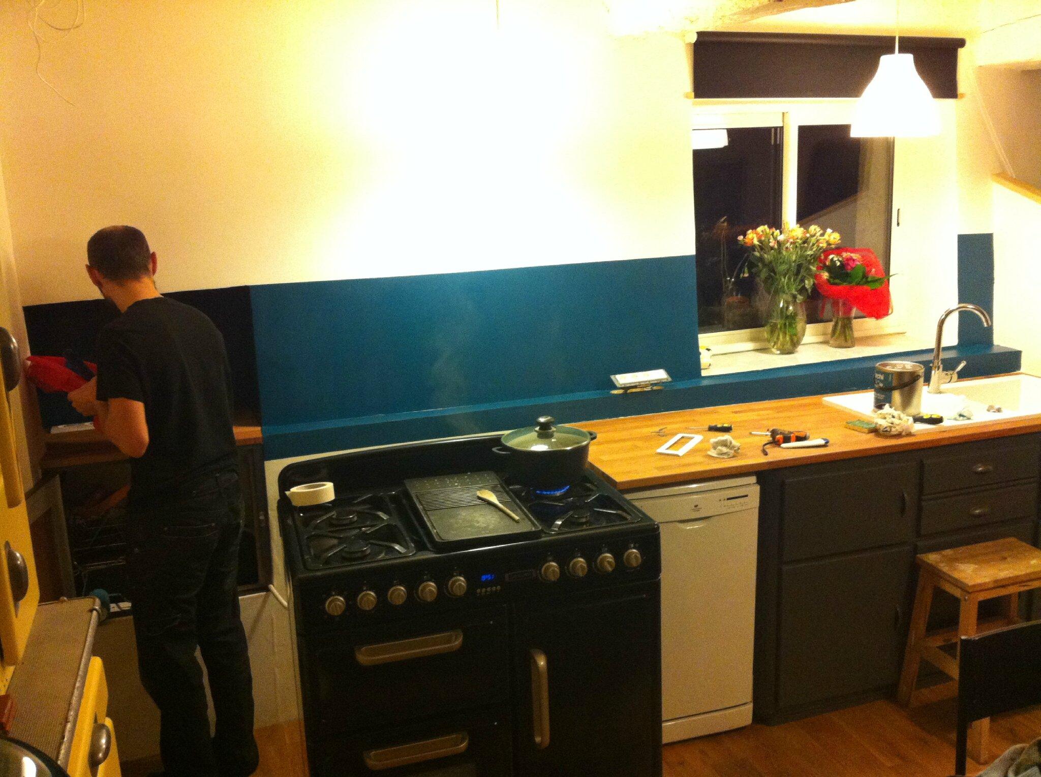 Peinture cuisine bleu petrole id es de d coration et de - Salon bleu petrole ...