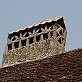 11détail d'une cheminée à mitre