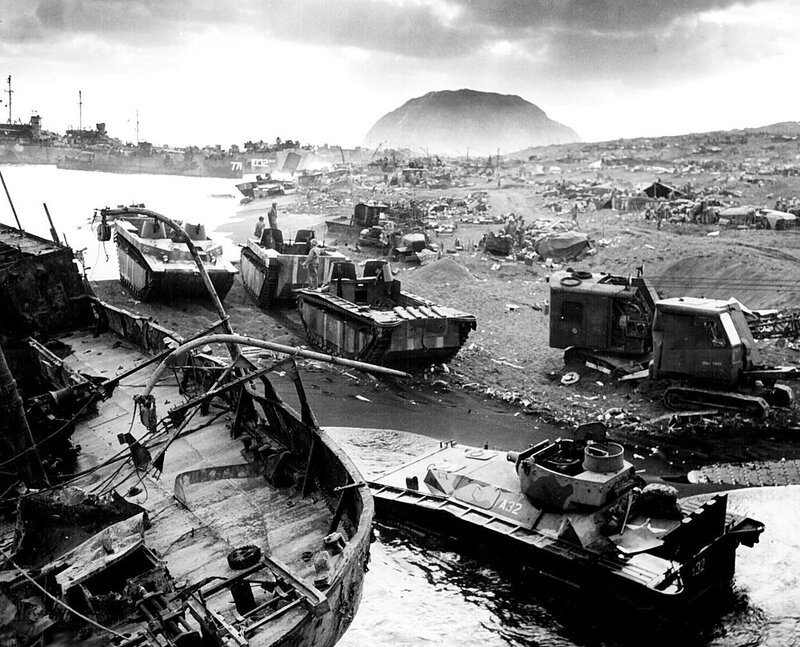 Iwo_Jima_amtracs