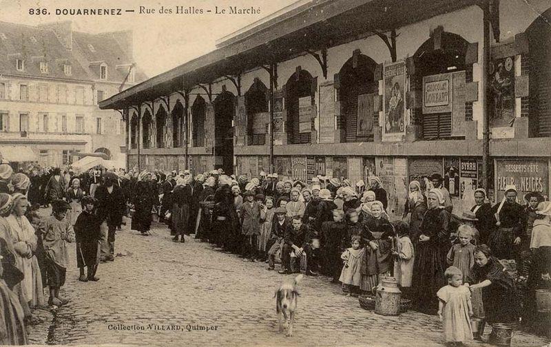 rue_des_halles-1 douarnenez
