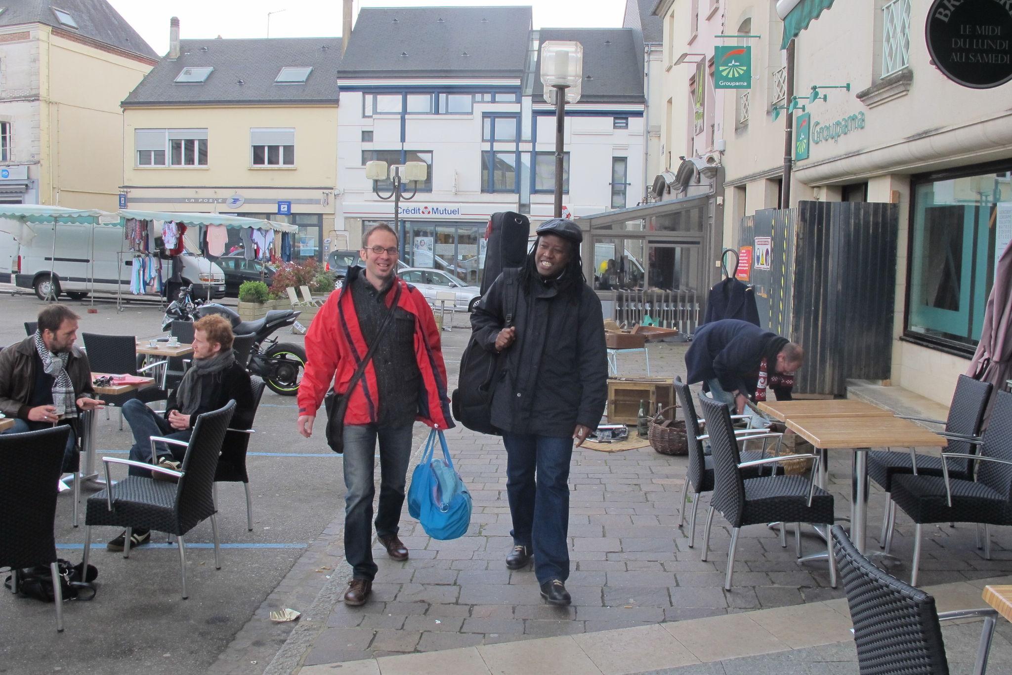 Arrivée de Souleymane à Mortagne, accompagné par Benoît