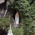 Lourdes, la Grotte