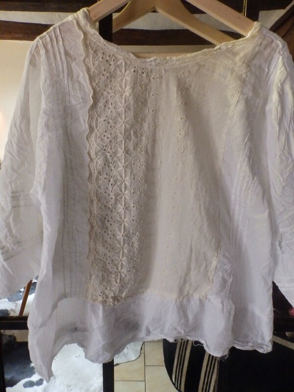 MP top Mimi with lace 001.JPG
