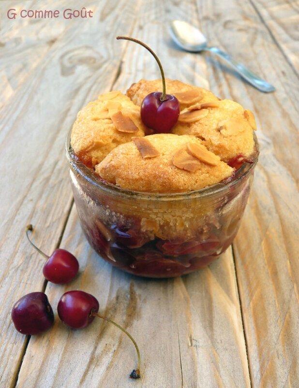 cobbler aux cerises et aux amandes