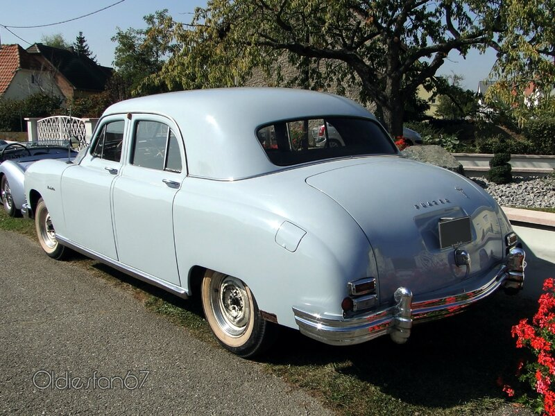 frazer-manhattan-sedan-1948-b