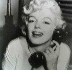 1958_Marilyn_WhiteDress_01_Sofa_phone_020