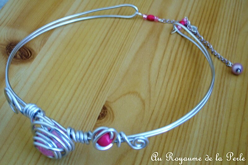 Collier rose aluminium Ca