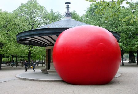 1_Redballproject_Luxembourg_9196