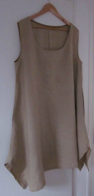 Une robe EUPHRASIE en lin beige pour Véronique...