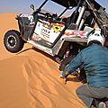 Tanké sur 3 roues ausommet de la dune qui surplombe Merzouga