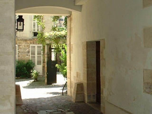 21b - Passage Cour du Commerce St André - Rohan - Cette belle cour relie la Cour du Commerce St André