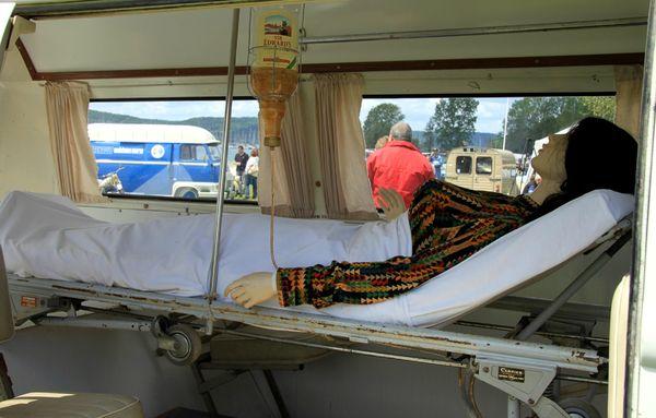 Vw combi T2 ambulance (1967-1971)(Retro Meus Auto Madine 2012) 03