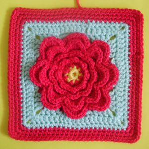 200 carrés crochet Pivoine