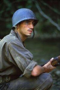 la_ligne_rouge_a_chacun_sa_guerre_the_thin_red_line_1997_imagesphoto_2
