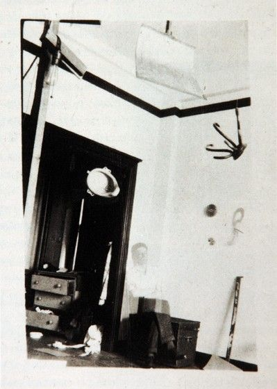59. Photo X, L'Atelier de Duchamp, 33 W 67th street, New York, 1917-1918.