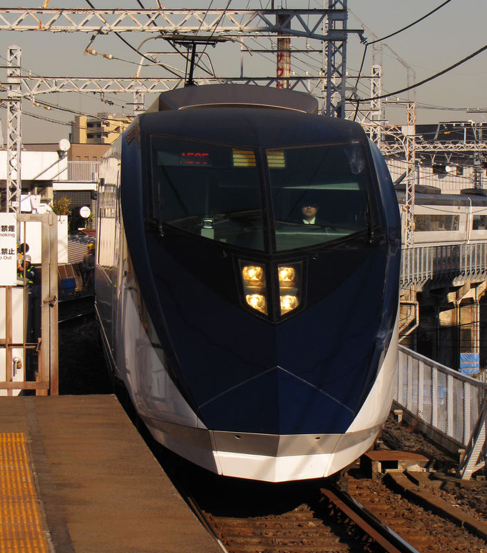 Keisei New Skyliner 2010 AE1 series, Machiya station