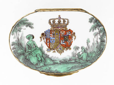 A_Meissen_gold_mounted_oval_snuff_box_from_the_toilet_service_for_Queen_Maria_Amalia_Christina_of_Naples_and_Sicily__Princess_of_Saxony__circa_1745_475
