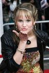 Celebrities_Red_Carpet_Hannah_Montana_Movie_OESW3ZL8kxxl