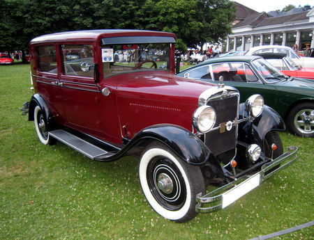 Opel_8_PS_luxuslimousine_de_1930_01