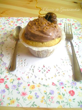 Cupckes chataigne & chantilly chocolat spéculoos (6)