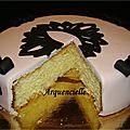 Gâteau noeud rose et noir, baroque coupé
