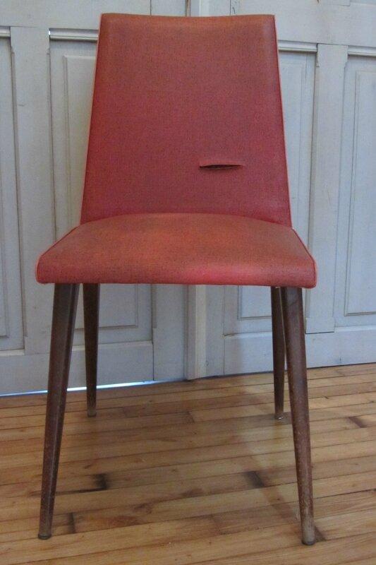 chaise années 60 tapissier à Brest