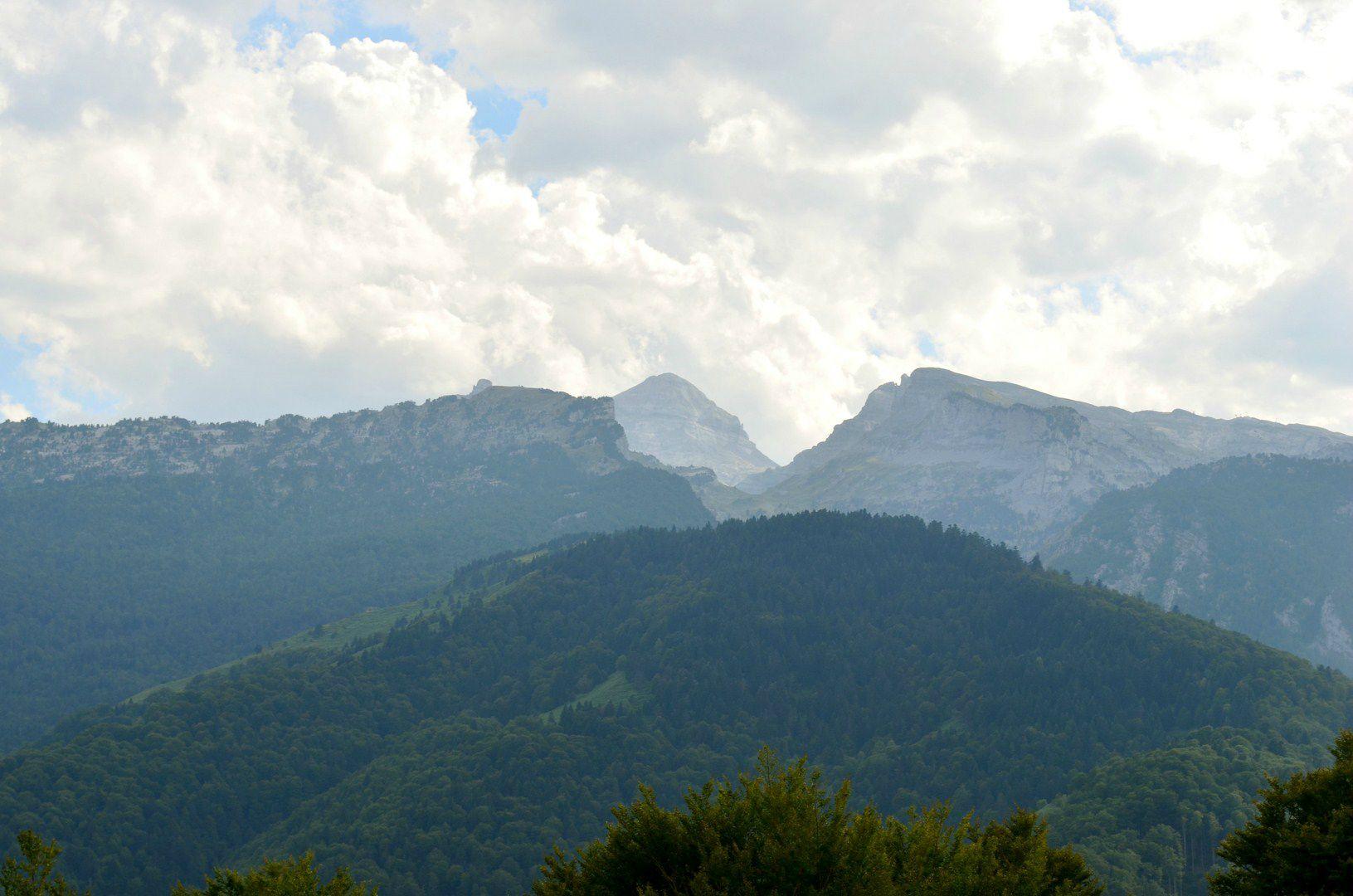 Le Pic d'Anie depuis Boesou...