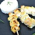 Brochettes de saumon marinées