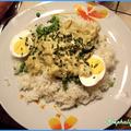 Riz avec oeufs durs et sauce curry