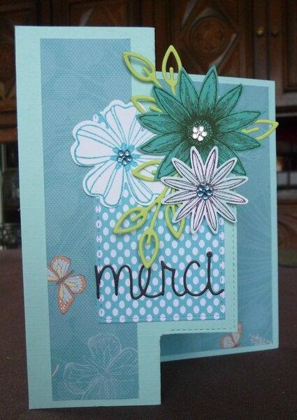 carte fleurs pliée tons bleus2