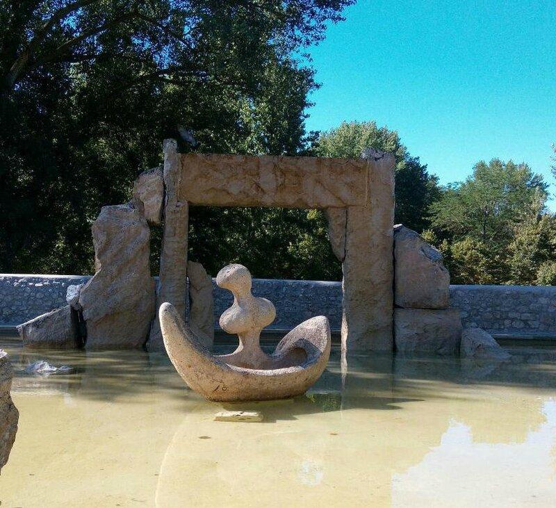 Statue barque