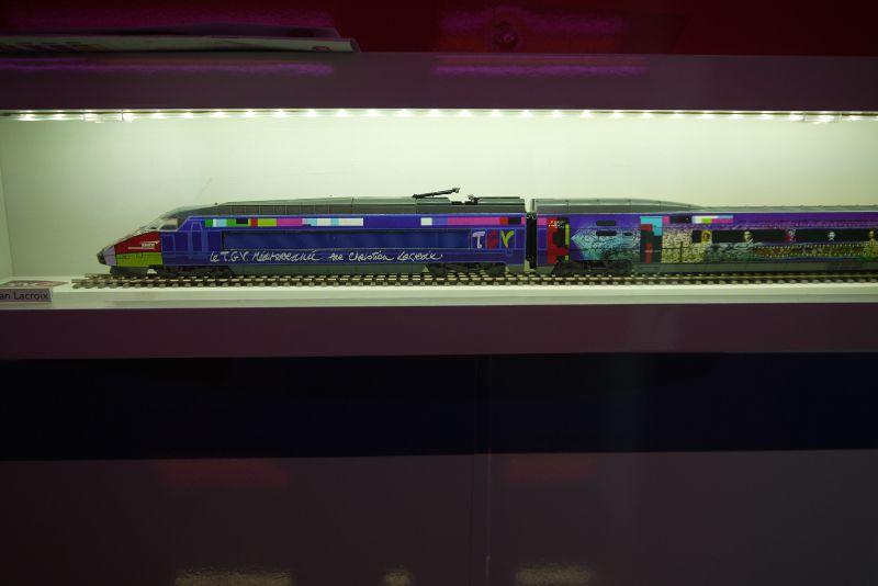 TGV maquette : livrée Christian Lacroix