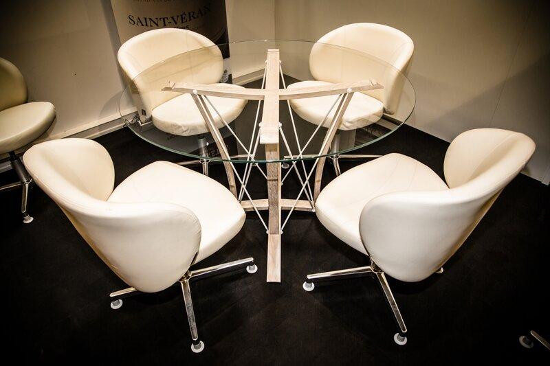 douelledereve,chaise de bar, mobilier courchevel,mobilier annecy,mobilier genève,meuble courchevel,meuble annecy,meuble genève,tabouret haut courchevel,luminaire courchevel,