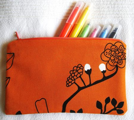 trousse_crayons_orange