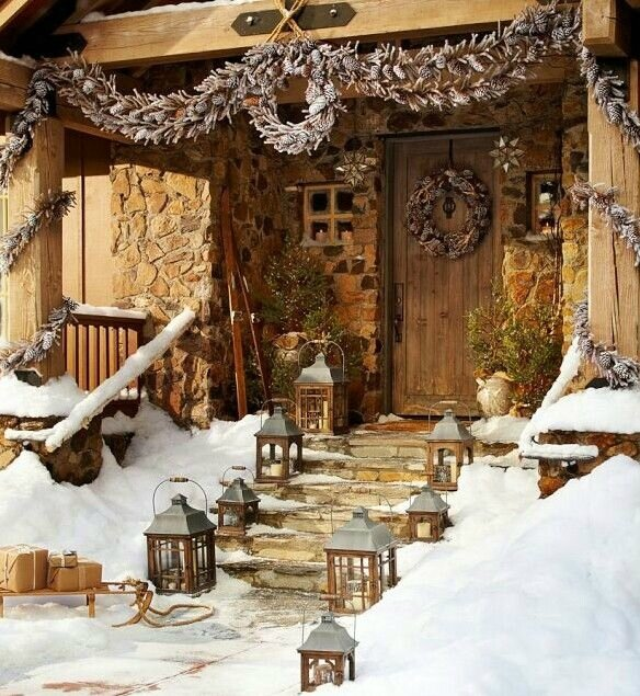 christmas-porch-and-front-door-decorating-ideas-2