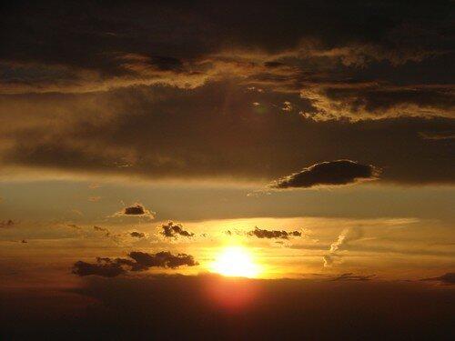 2008 04 27 Le coucher du soleil vu depuis la montagne du Meygal (11)