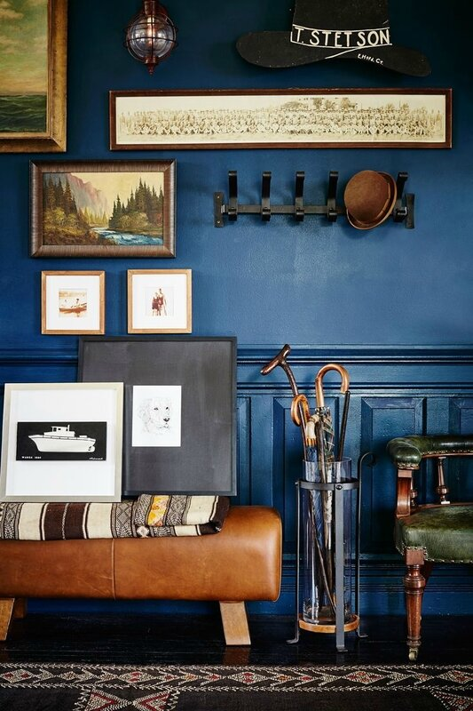 6497788d79b3180d12ac9087ce103119--blue-hallway-hallway-walls