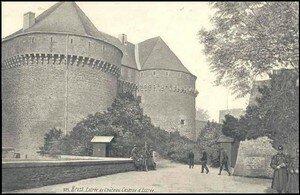 caserne_d_estr_e_entr_e_du_chateau_3