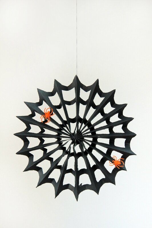 DIY-Paper-Spiderweb-Step-8