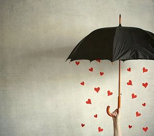 hearts_under_umbrella