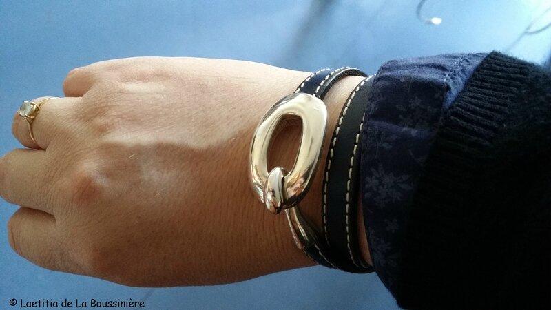 Le bracelet Boucle (bleu marine) d'Anne