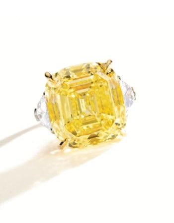 AN_IMPRESSIVE_FANCY_VIVID_YELLOW_DIAMOND_RINGAN_IMPRESSIVE_FANCY_VIVID_YELLOW_DIAMOND_RING