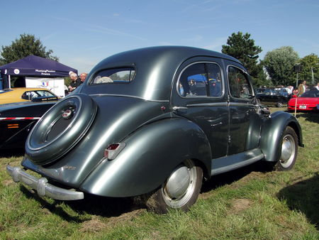 Panhard dyna x 1947 1953 Nesles Retro Expo 2010 2