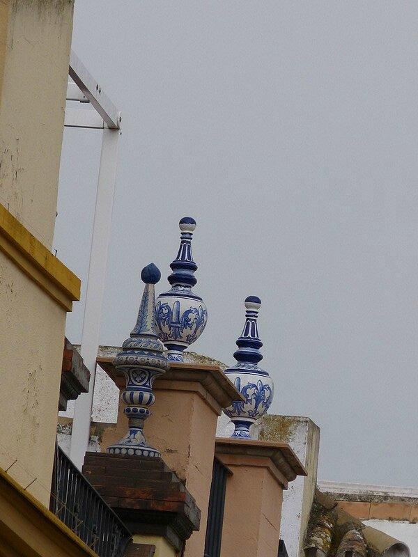 des céramiques sur les toits