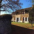 Maison de campagne a vendre - country house to sale -contact 0781464046