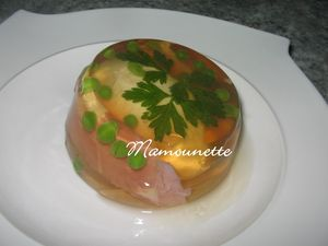 Oeufs_en_gel_e_au_mad_re_et_amuse_gueule_011