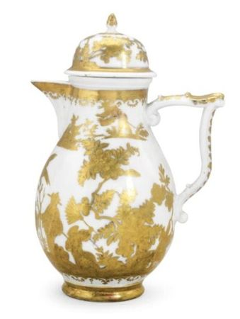 A_Meissen_hausmaler_coffee_pot_and_cover