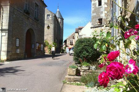 Rue-de-Chateauneuf-en-Auxois-2
