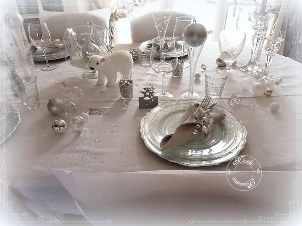 Deco table noel rouge et blanc argent - Deco table de noel blanc ...